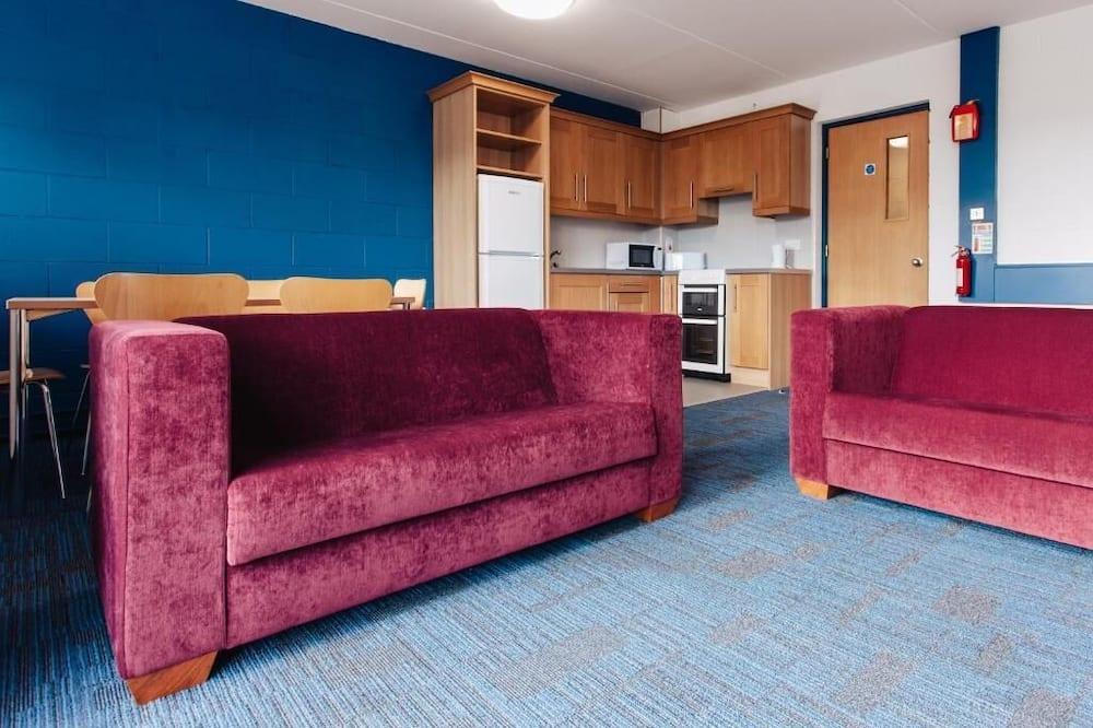 Departamento básico, 5 habitaciones - Sala de estar