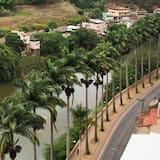 Vue sur la ville depuis l'établissement