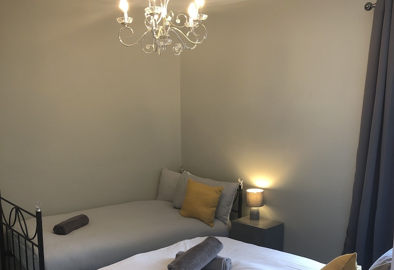 Harrow Guest House, Liverpool, Classic Triple Room, Guest Room