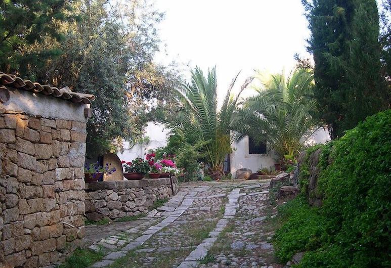 Villa Canisello, Noto, Bairro em que se situa o estabelecimento
