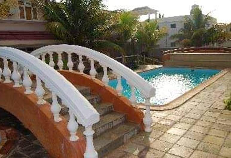 弗利康弗拉克 3 房公寓 - 附共用泳池/專屬花園/ Wi-Fi - 離海灘 500 米, Flic-en-Flac, 泳池
