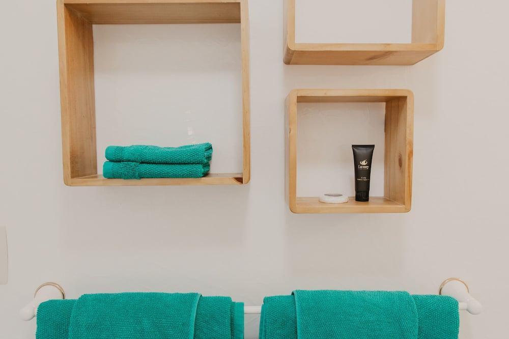 Panoramic Στούντιο-Σουίτα, Ισόγειο - Παροχές μπάνιου