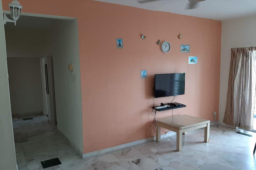 Basic Apartment, 2 Bedrooms - Living Area