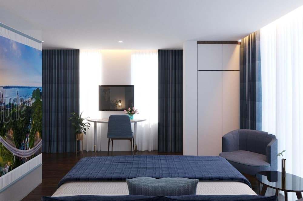 Family Room, City View - Guest Room