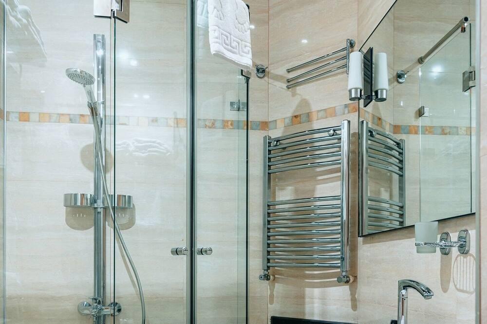 Numeris šeimai, 2 miegamieji - Vonios kambario dušas