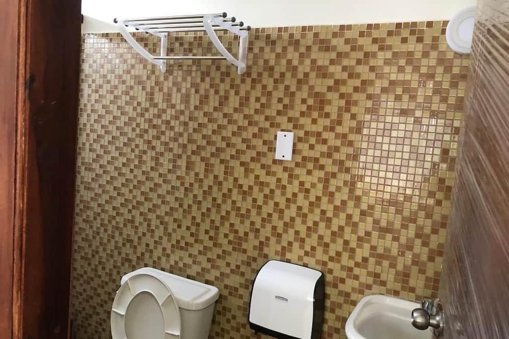 Royal Studio - Bathroom