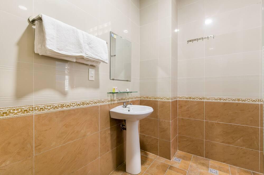 Чотиримісний номер «Делюкс» - Ванна кімната