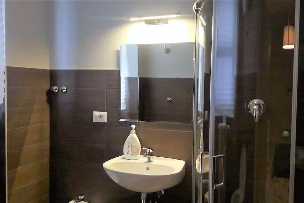 經濟雙人房 - 浴室