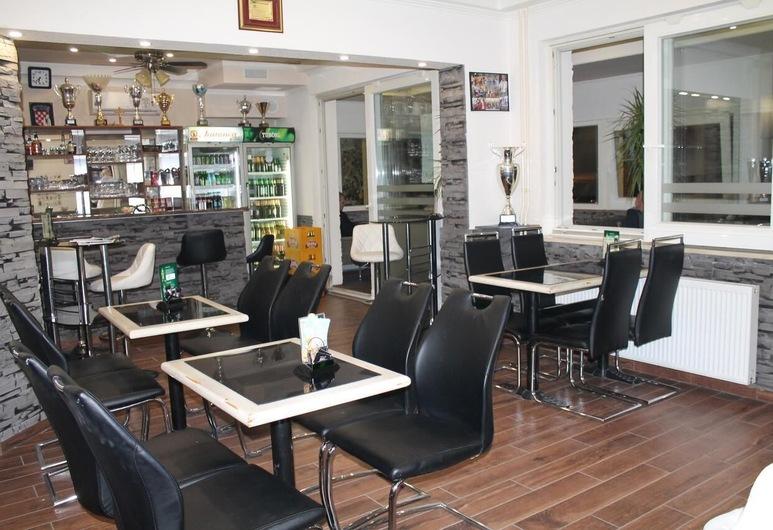 Rooms Sport, Zagreb, Otel Barı