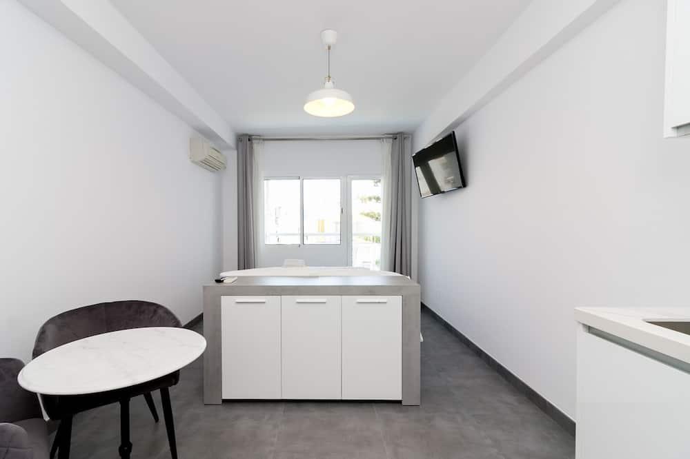 Apart Daire, 1 Yatak Odası, Balkon - Oturma Alanı