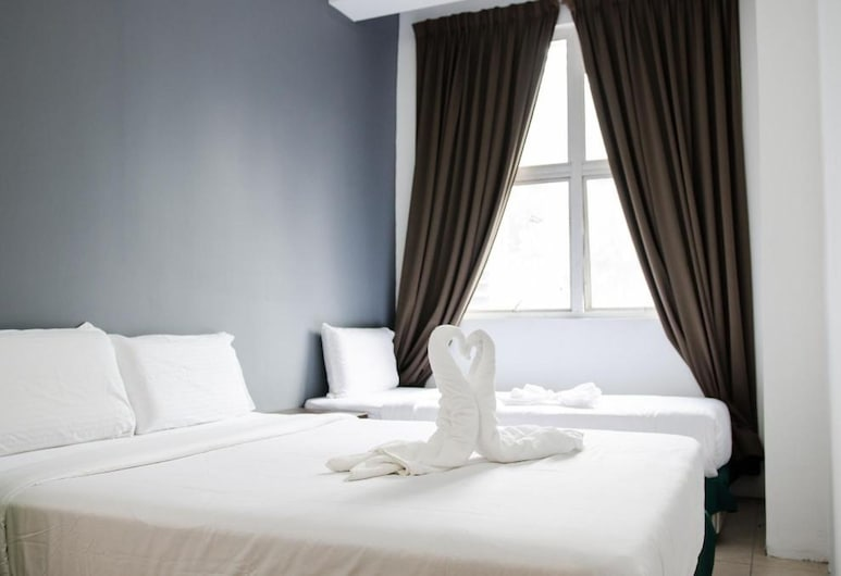 Rich Calton Hotel & Gallery, Kuala Lumpur, Family Triple Room, Guest Room