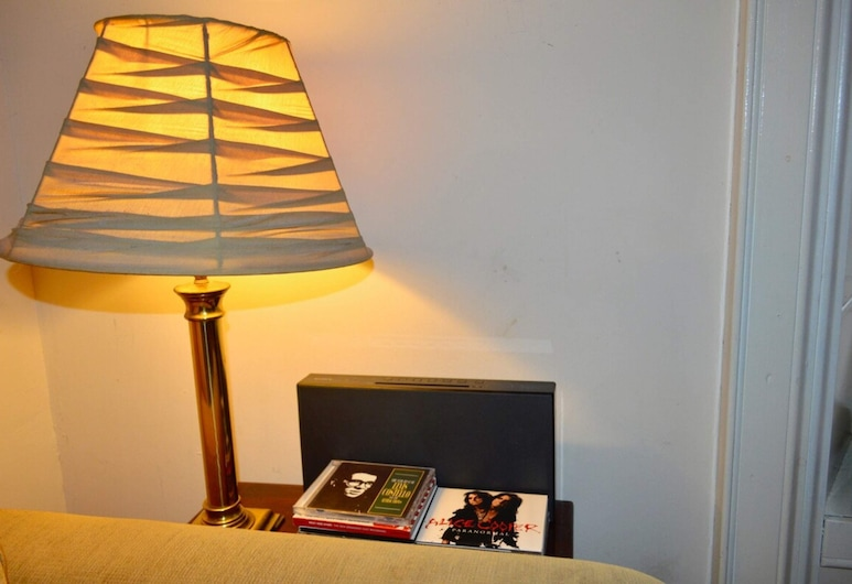 Homely + Comfortable 2 Bed in Historic Rose Street, אדינבורו