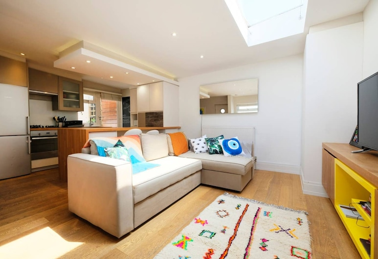Newly Furnished Patio Flat In Peckham, London