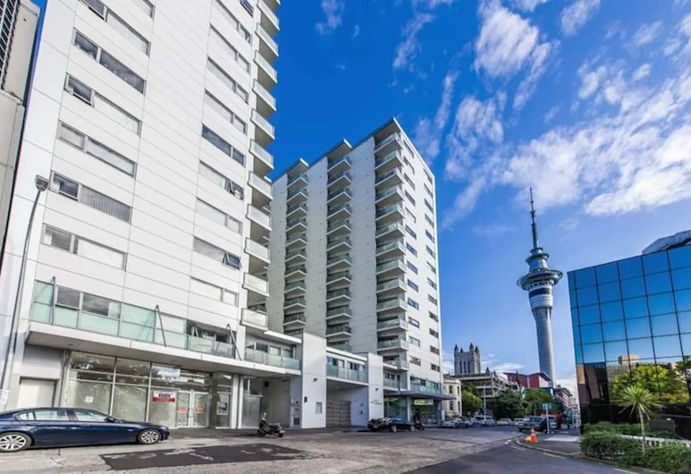 Quiet 2 Bedroom Apartment in CBD With Balcony, Auckland, Exterior