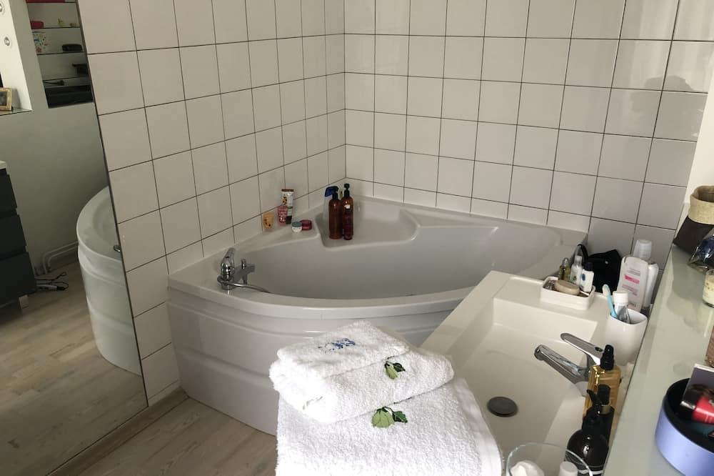 双人房, 1 张大床 - 深泡浴缸