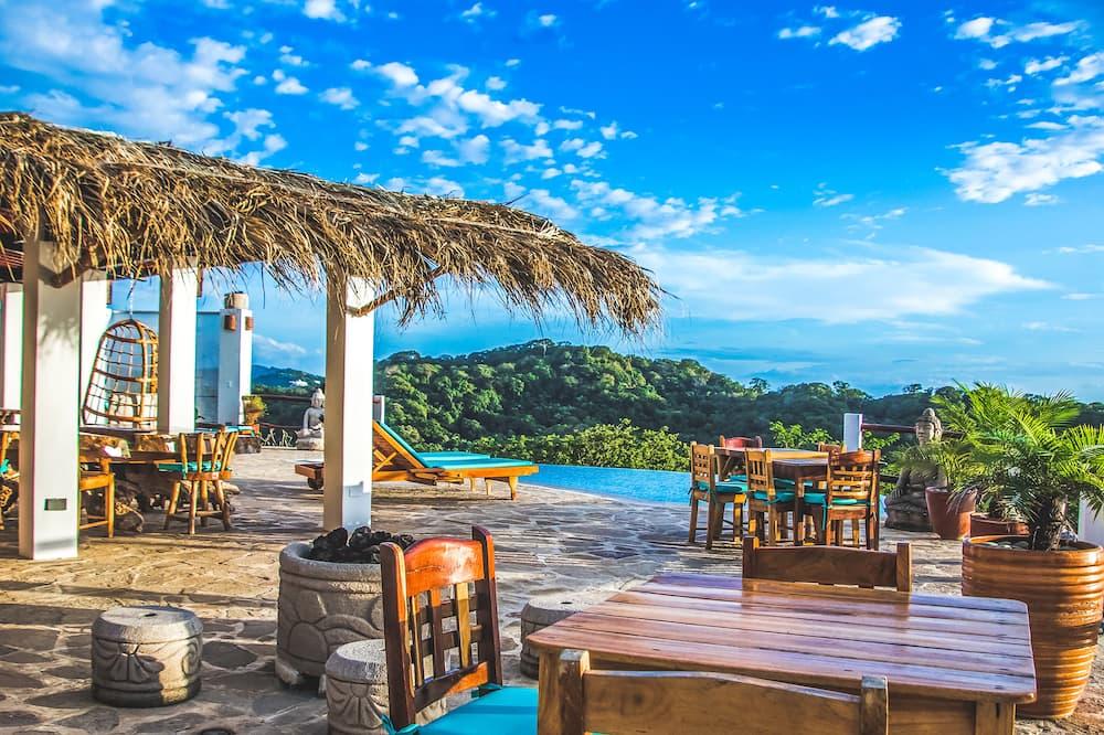 Buddha Roc Beach Resort