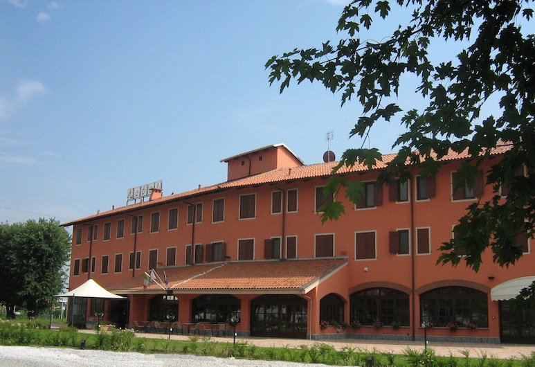 Hotel Erbaluce, Калузо, Фасад готелю