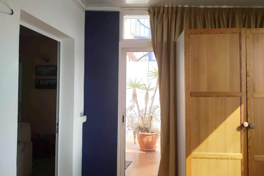 Dzīvokļnumurs, skats uz jūru - Numurs