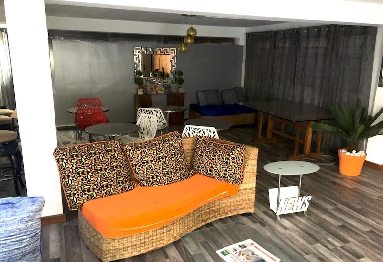 Serenade Lodging Rooms, Panama City, Lobby Sitting Area