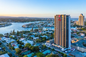 Picture of Ruby Apartment By Hostrelax in Surfers Paradise