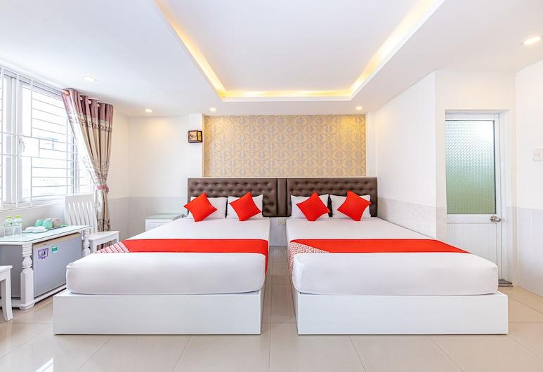 OYO 378 Thien Bao Hotel, Nha Trang, Deluxe Quadruple Room, Guest Room