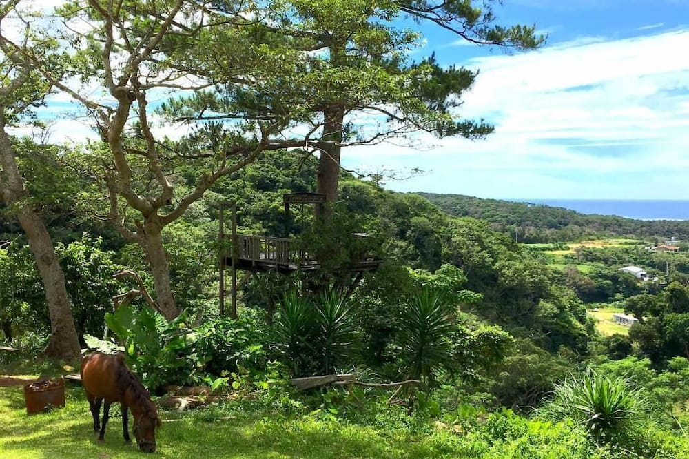 Casa, en edificio anexo (Private Vacation, Bungalow) - Vista a la montaña