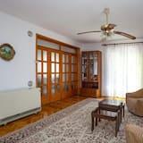 อพาร์ทเมนท์, 2 ห้องนอน, ระเบียง - พื้นที่นั่งเล่น