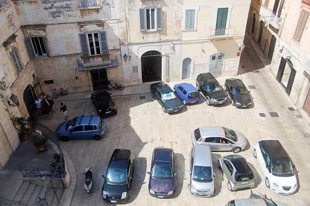 Værelse til 4 personer - balkon - Gadeudsigt