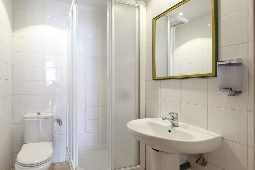 Dormitorio condiviso, dormitorio misto, bagno condiviso (1 bed in a 8-Bed Dormitory Room) - Bagno