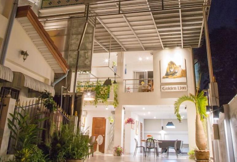 金狮旅馆, 芭堤雅, 酒店正门