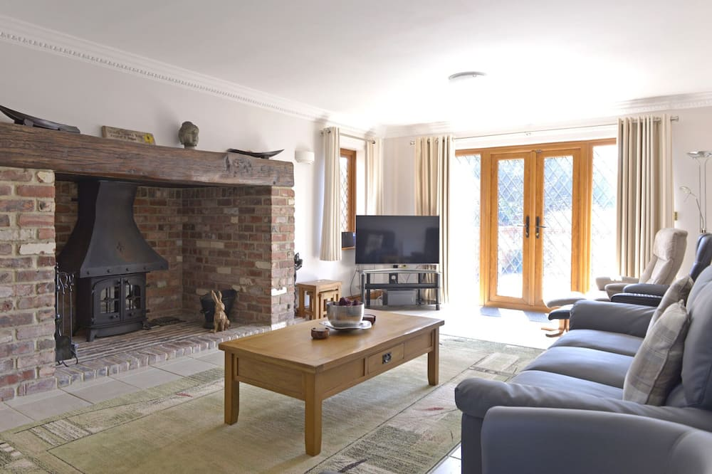 House, 6 Bedrooms, Sea View - Living Area