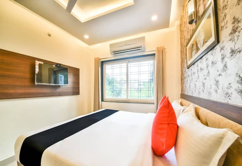 Hotel Golden Feather, Udaipur, Classic Room, City View