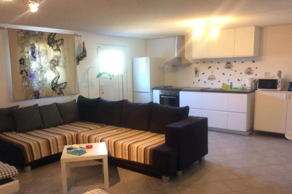 Comfort Studio Suite, Private Bathroom, Ground Floor - Living Area