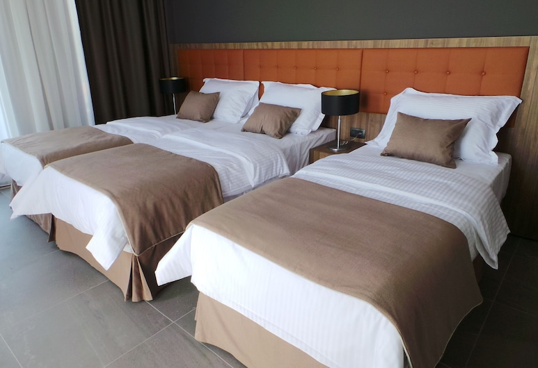 Hotel St. Nicola , Medjugorje, Deluxe Triple Room, Guest Room