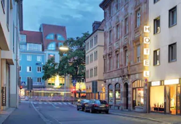 Central Hotel Garni, Вюрцбург