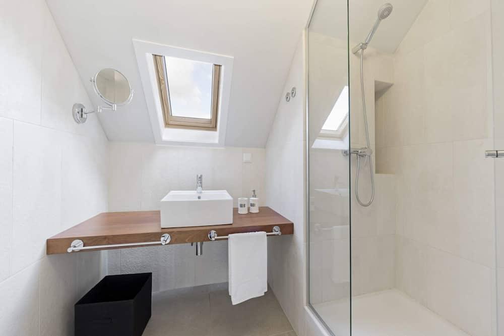 Apartment (1 Bedroom) - Bathroom