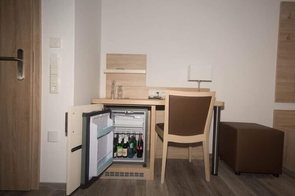 Двухместный номер «Комфорт» с 1 двуспальной кроватью - Мини-бар