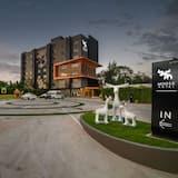 Moose Hotel