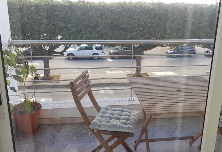 Comfortable appartment near Villa Paul, Casablanca, Comfort Apartment, 2 Bedrooms, Balcony