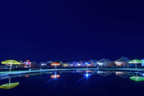 卡斯露營酒店/