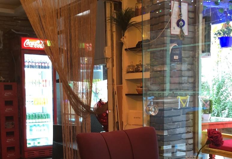 Gülhane Hotel, Estambul, Habitación triple, Terraza o patio