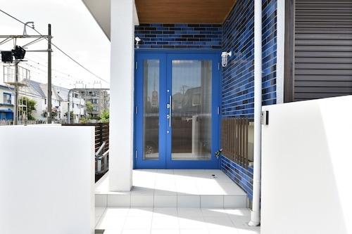 片瀬江ノ島駅近!2階建て一軒家をまるごとリノベーションしたバケーションハウス