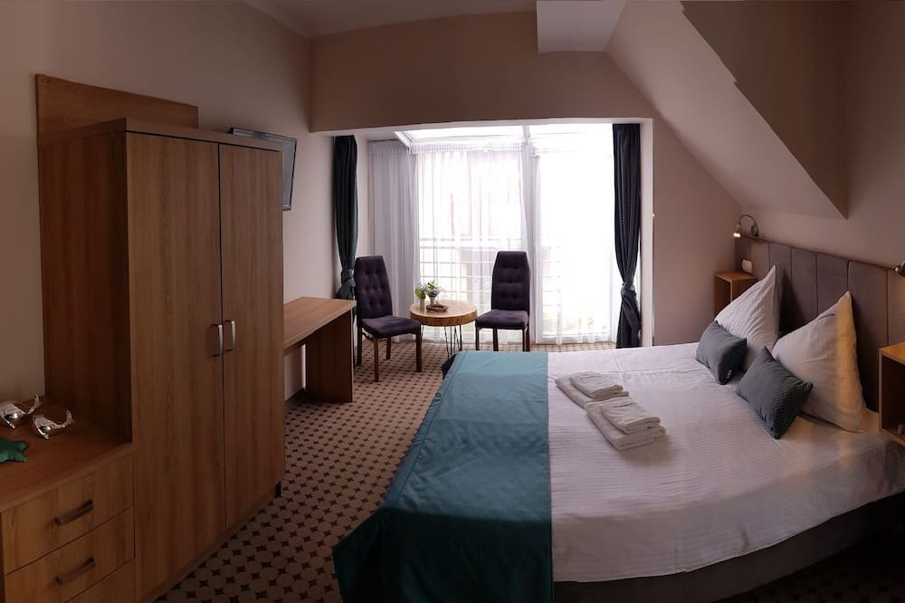 Superior Double Room, Pool Access - Living Area