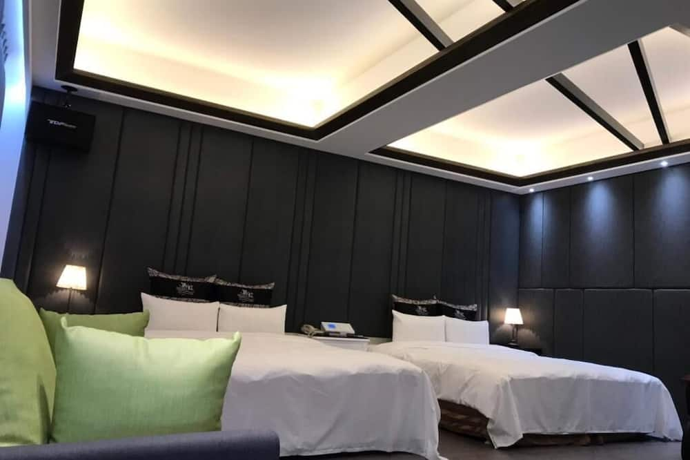 Deluxe Quadruple Room (check-in after 19:00) - Guest Room