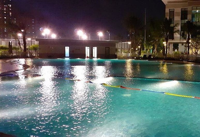 Vinhomes Green Bay Apartments, Hanoi, Outdoor Pool