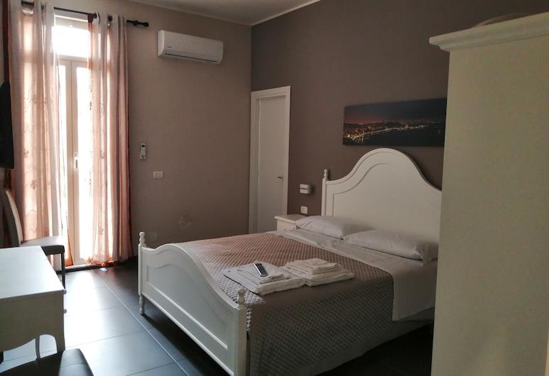 Nel Cuore della Città, Naples, Izba typu Deluxe s dvojlôžkom alebo oddelenými lôžkami, terasa, Hosťovská izba