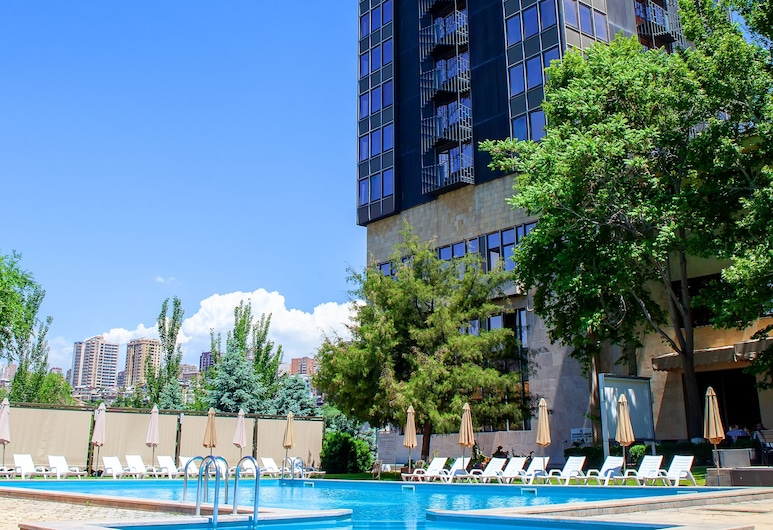 Hrazdan hotel, Yerevan, Voorkant hotel