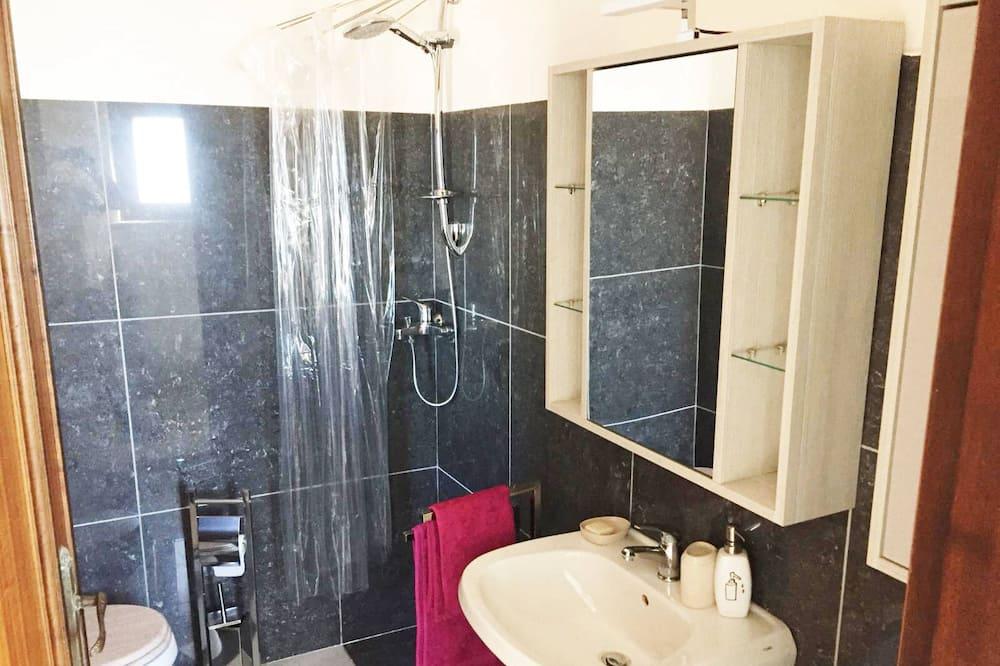 Liukso klasės trivietis kambarys - Vonios kambarys