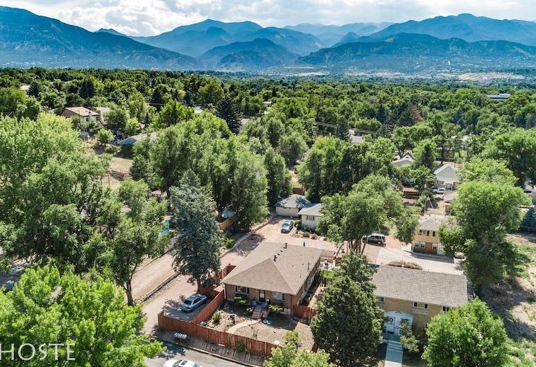 1 Br70's Inspired Comfy Condoclose to Broadmoor, Colorado Springs