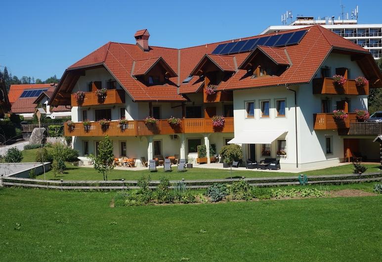 Penzion Kaps, Bled, Hotel Front